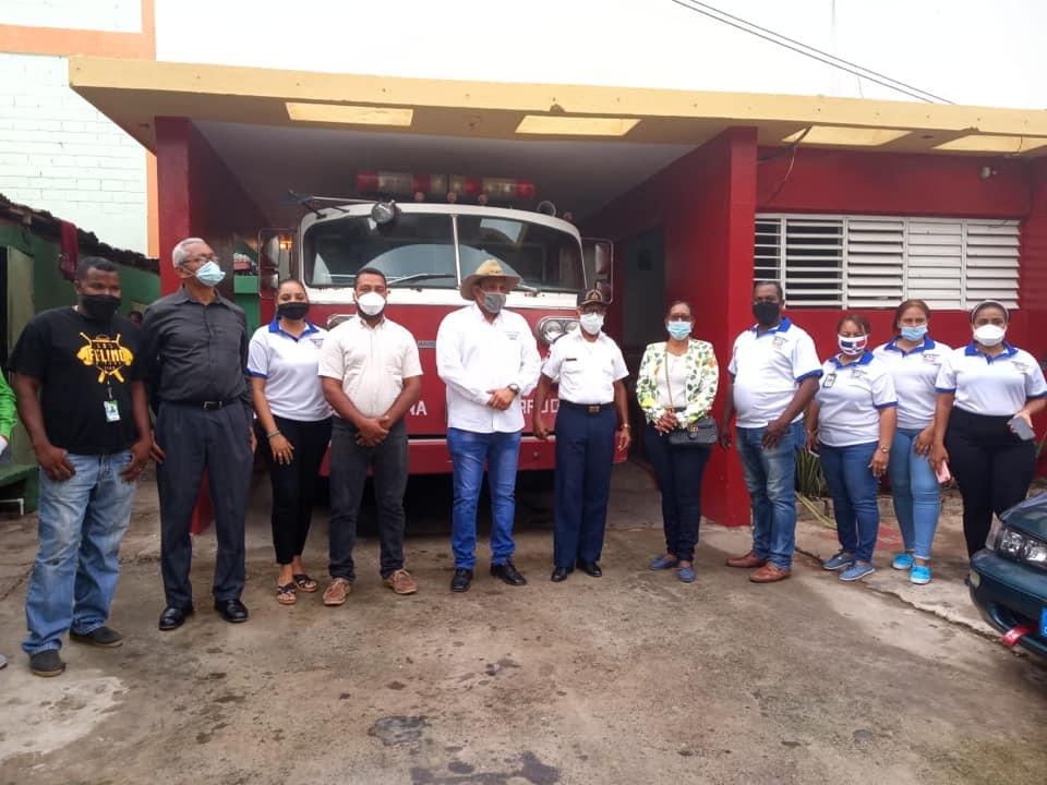 Alcalde Santiago Riverón, entrega Camión de Bomberos